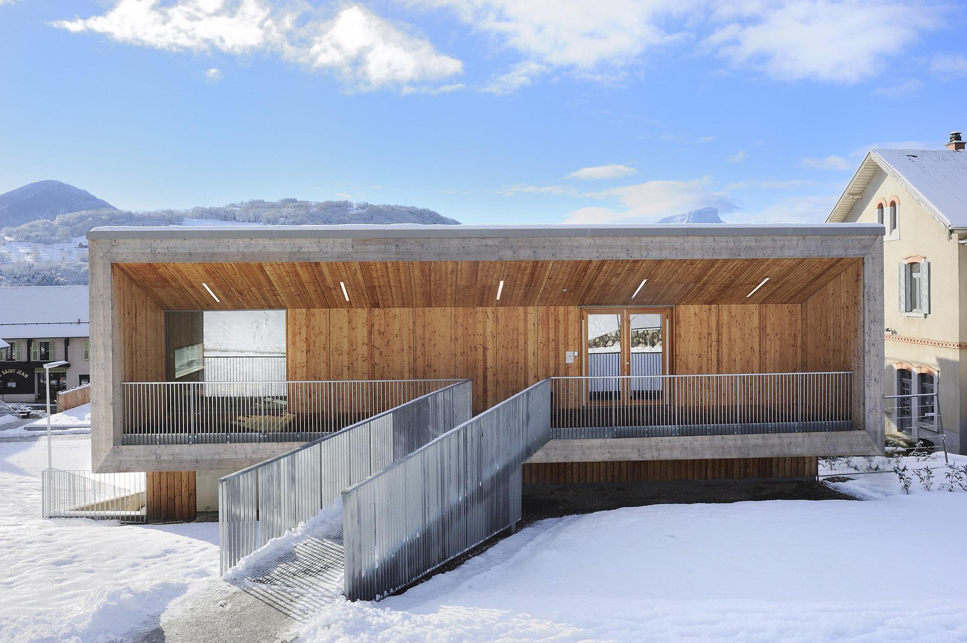Equipement multifonctionnel saint jean d 39 arvey 73 concepteur constructeur bois - Maison algeco prix ...